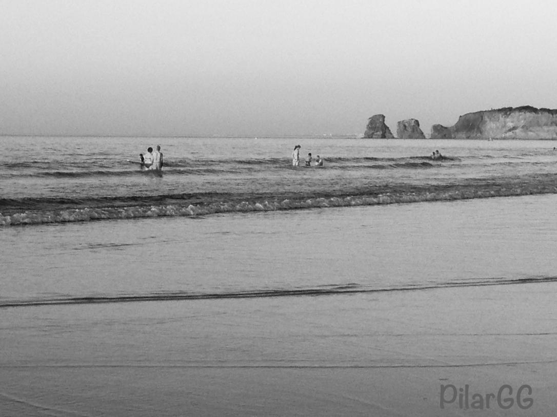 atardecer en la playa de Hendaya